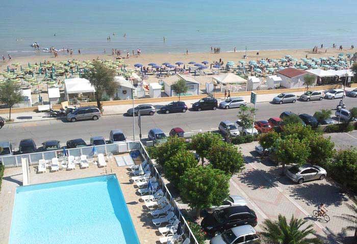 Spiaggia convenzionata con Bagni Gabriele Hotel Senigallia ...
