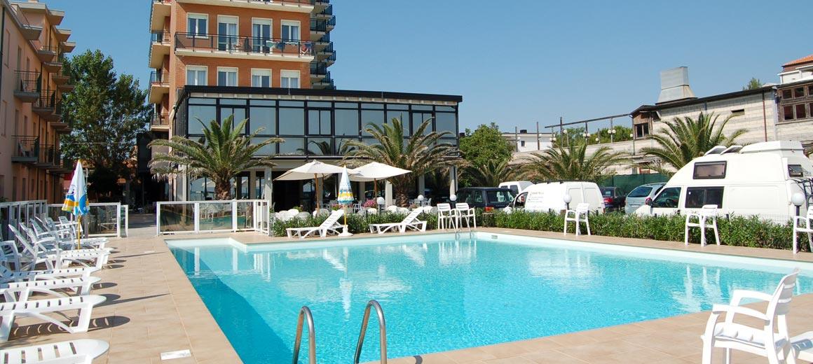 Hotel Roma Parcheggio Interno